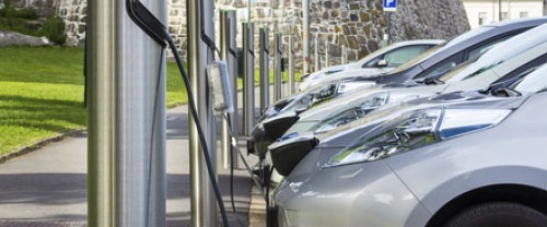 Forecasting the residual value of electric vehicles